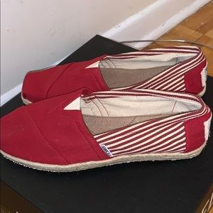 New!!! TOMS University Red